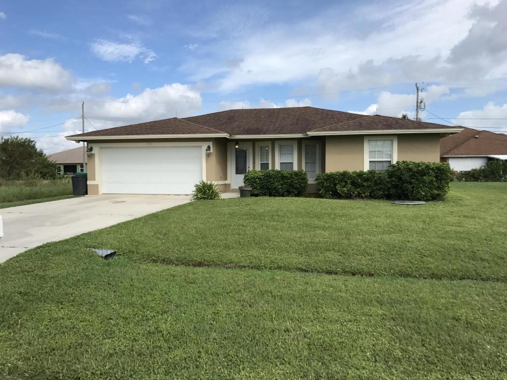 559 Sw Halifax Av Avenue, Port Saint Lucie, FL 34953