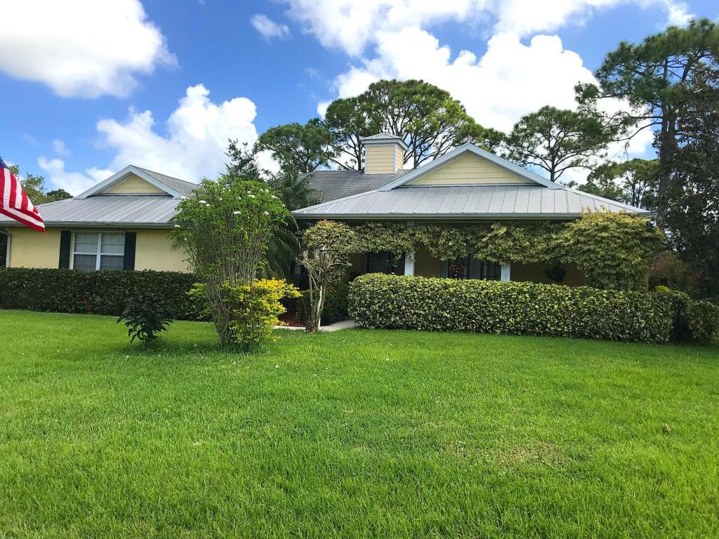 692 Sw Ewing Avenue, Port Saint Lucie, FL 34983