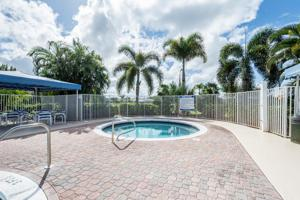 617 Sw Barbuda Bay, Port Saint Lucie, FL 34986