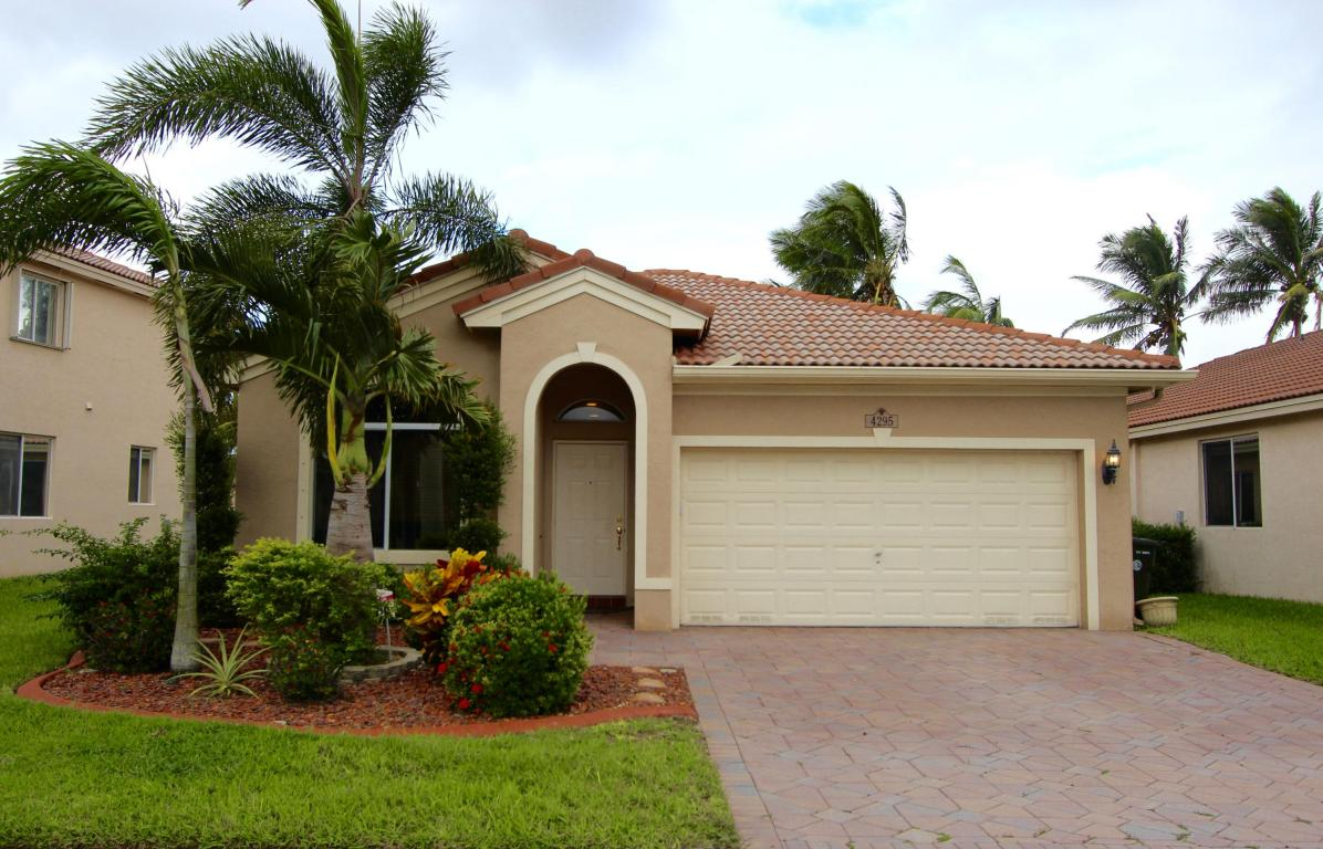 4295 Banyan Trails Drive, Coconut Creek, FL 33073