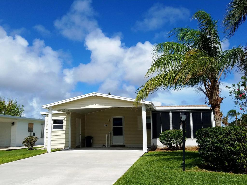 3712 Crabapple Drive, Port Saint Lucie, FL 34952