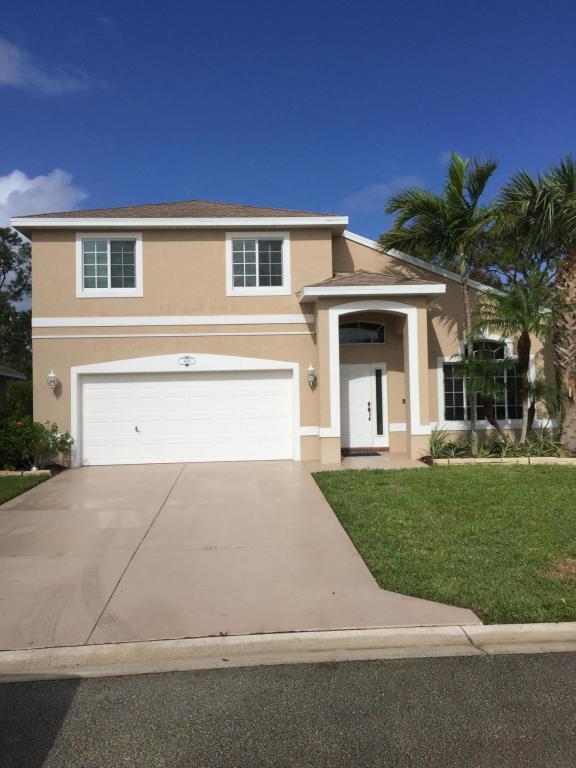4669 Se Winter Haven Court, Stuart, FL 34997