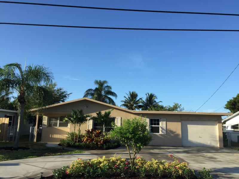 1060 Old Boynton Road, Boynton Beach, FL 33426