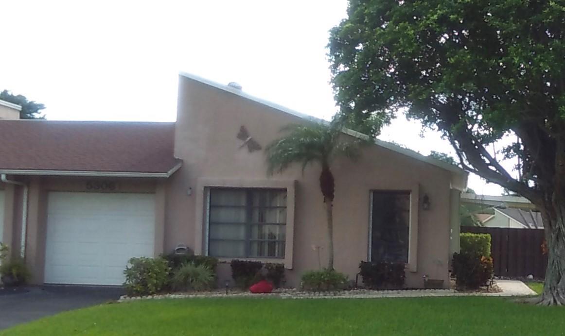 5306 Mirror Lakes Boulevard, Boynton Beach, FL 33472