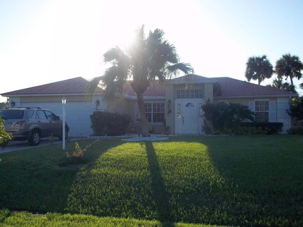 2382 Sw Norton Street, Port Saint Lucie, FL 34953