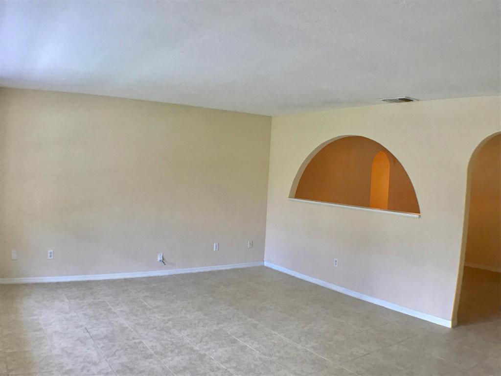 525 Nw Lincoln Avenue, Port Saint Lucie, FL 34983