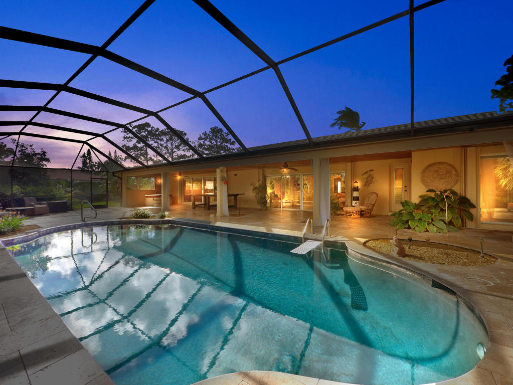 417 N Country Club Drive, Atlantis, FL 33462