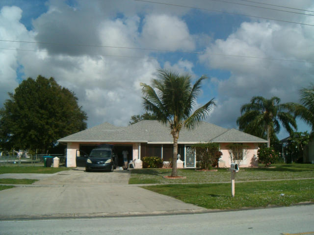 231 Ne Floresta Drive, Port Saint Lucie, FL 34953