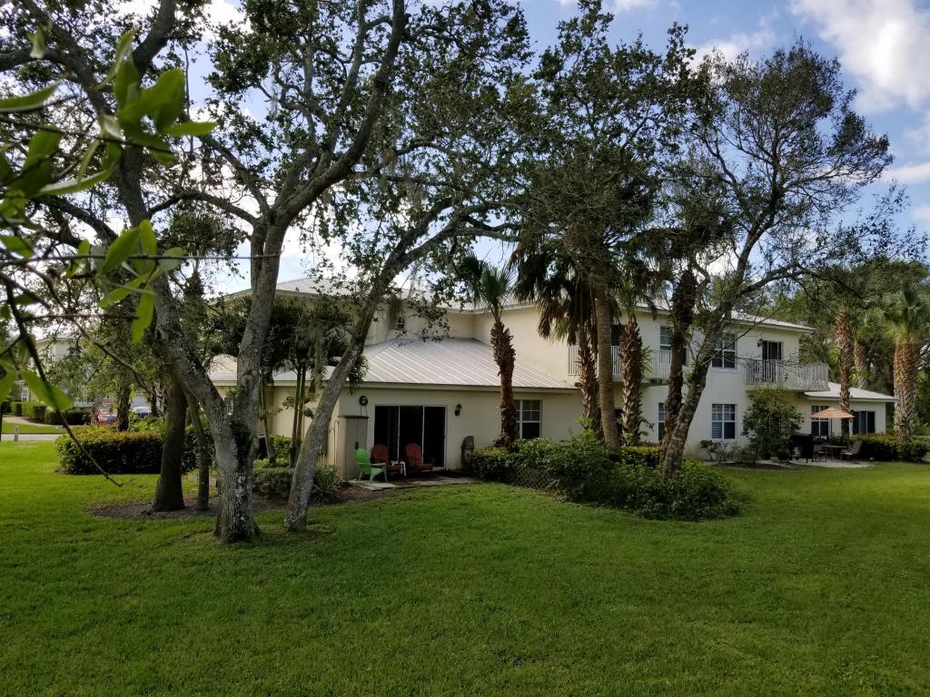 2700 Creekside Drive, Fort Pierce, FL 34981