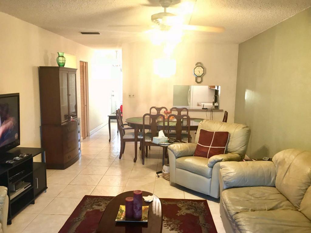 2566 Garden Drive S, Lake Worth, FL 33461