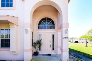 2059 Se Wild Meadow Circle, Port Saint Lucie, FL 34952