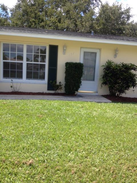 457 Se Calmoso Drive, Port Saint Lucie, FL 34983