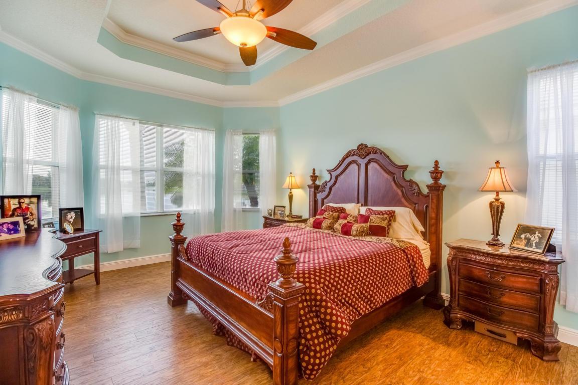 167 Nw Pleasant Grove Way, Port Saint Lucie, FL 34986