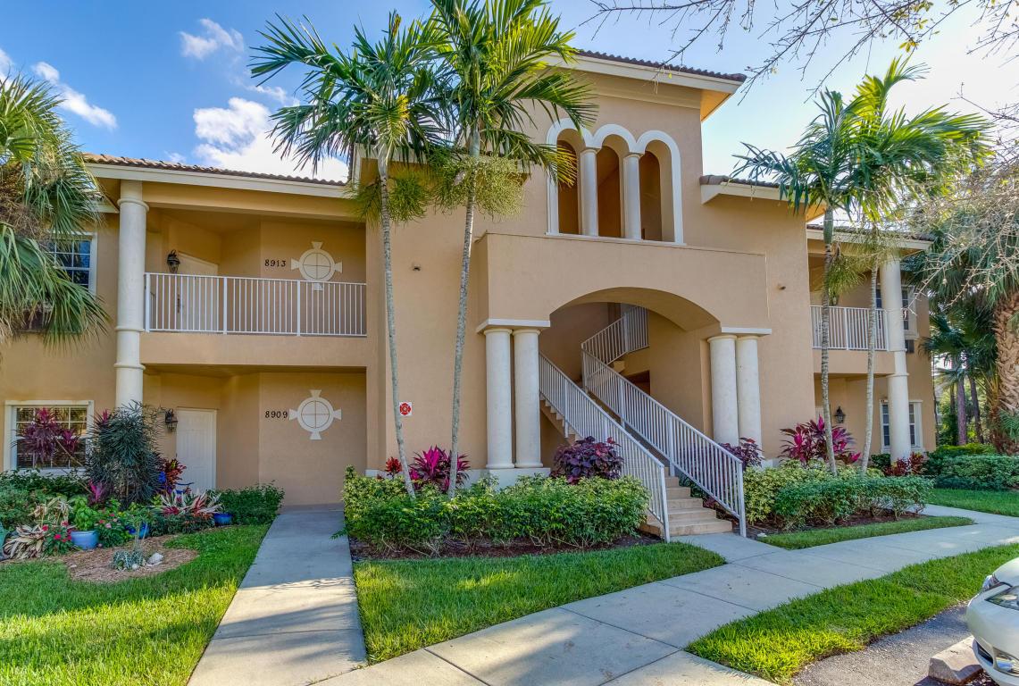 8909 Sandshot Court, Port Saint Lucie, FL 34986