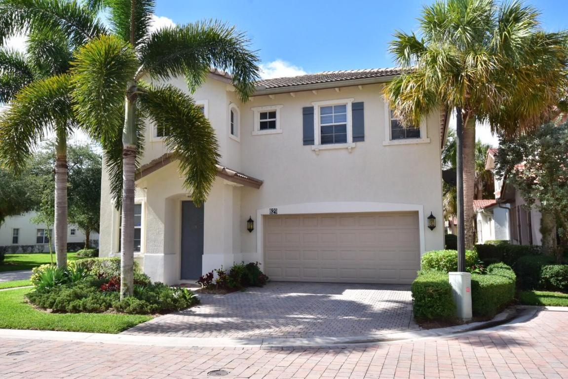 629 Moondancer Court, Palm Beach Gardens, FL 33410