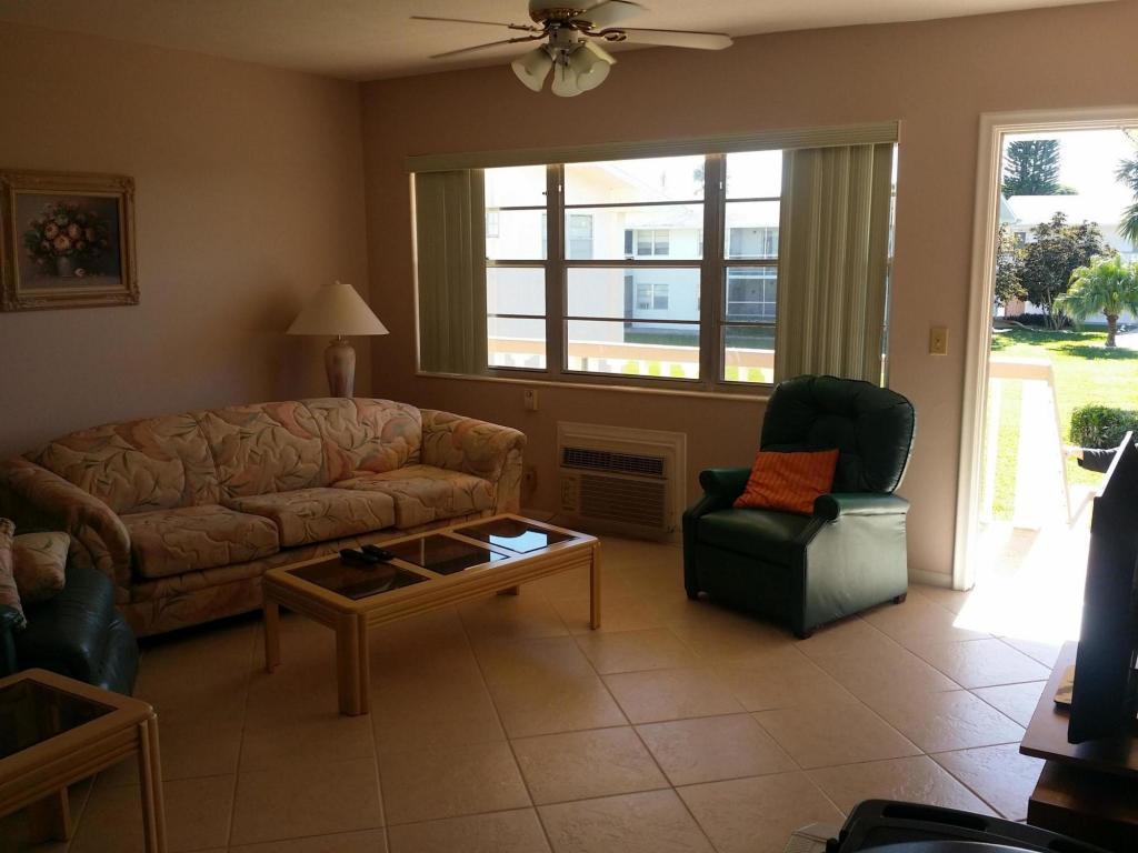 139 Norwich F, West Palm Beach, FL 33417