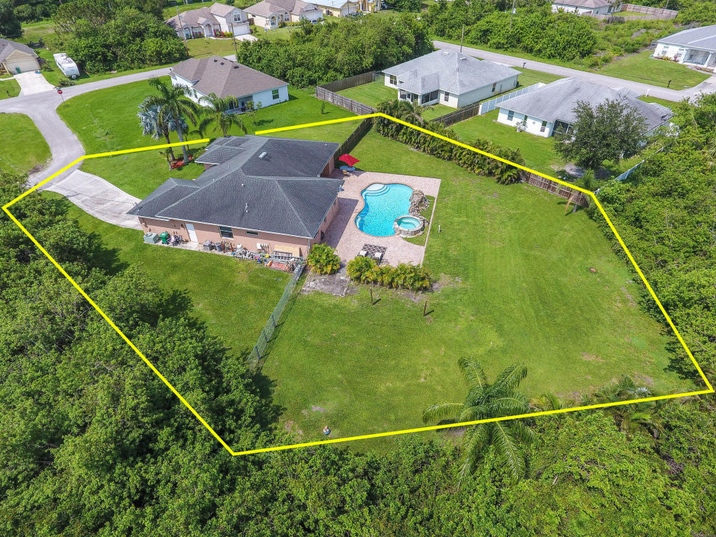 6242 Nw Gull Court, Port Saint Lucie, FL 34986