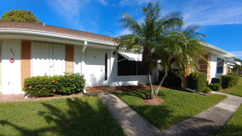 1214 S Lakes End Drive, Fort Pierce, FL 34982