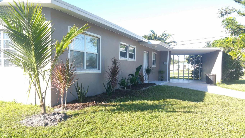 2833 Se Pocatello Road, Port Saint Lucie, FL 34952