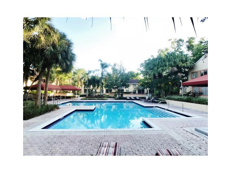903 Coral Club Drive, Coral Springs, FL 33071