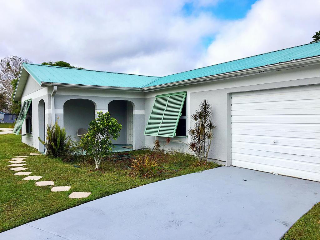 541 Se Chapman Avenue, Port Saint Lucie, FL 34984