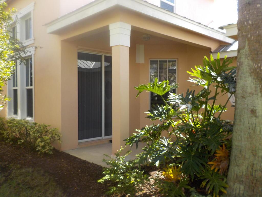 10487 Sw Westlawn Boulevard, Port Saint Lucie, FL 34987