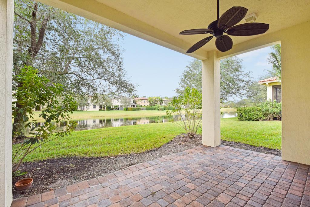 838 Madison Court, Palm Beach Gardens, FL 33410