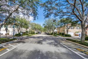 76 Laurel Oak Circle, Jupiter, FL 33469