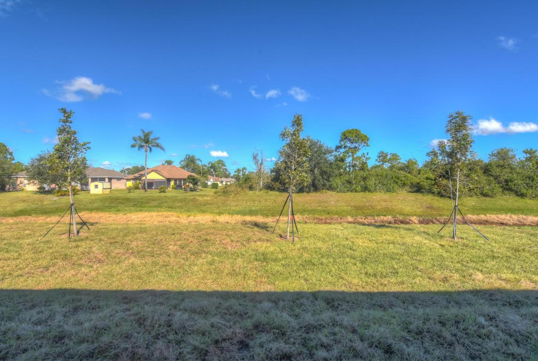 1085 Sw Idol Avenue, Port Saint Lucie, FL 34953