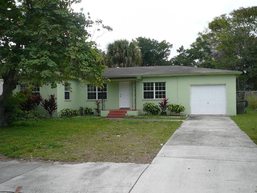 1003 Georgia Avenue, Fort Pierce, FL 34950