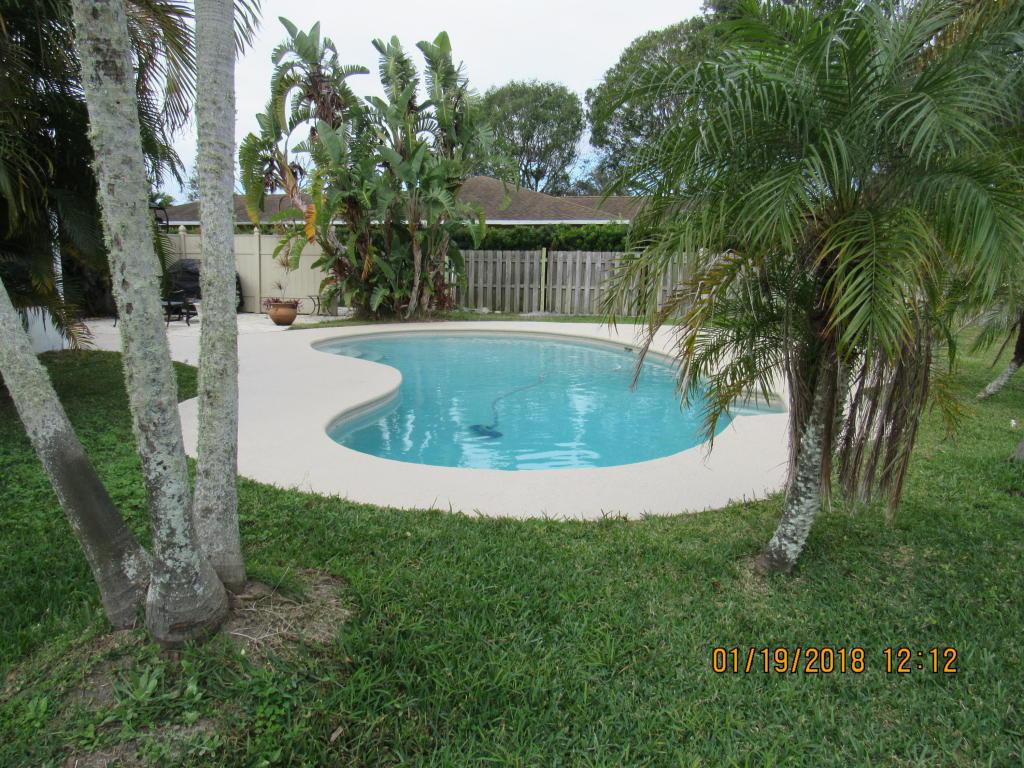 1104 Heron Avenue, Fort Pierce, FL 34982