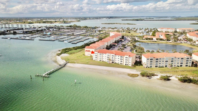 30 Harbour Isle Drive W, Hutchinson Island, FL 34949