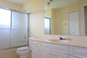 1005 Se Bywood Avenue, Port Saint Lucie, FL 34983
