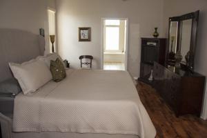 2450 Se Grand Drive, Port Saint Lucie, FL 34953