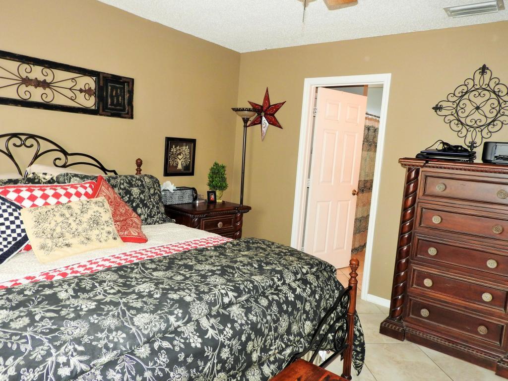1531 Se Flintlock Road, Port Saint Lucie, FL 34952