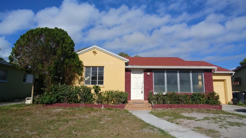 1117 Colonial Road, Fort Pierce, FL 34950