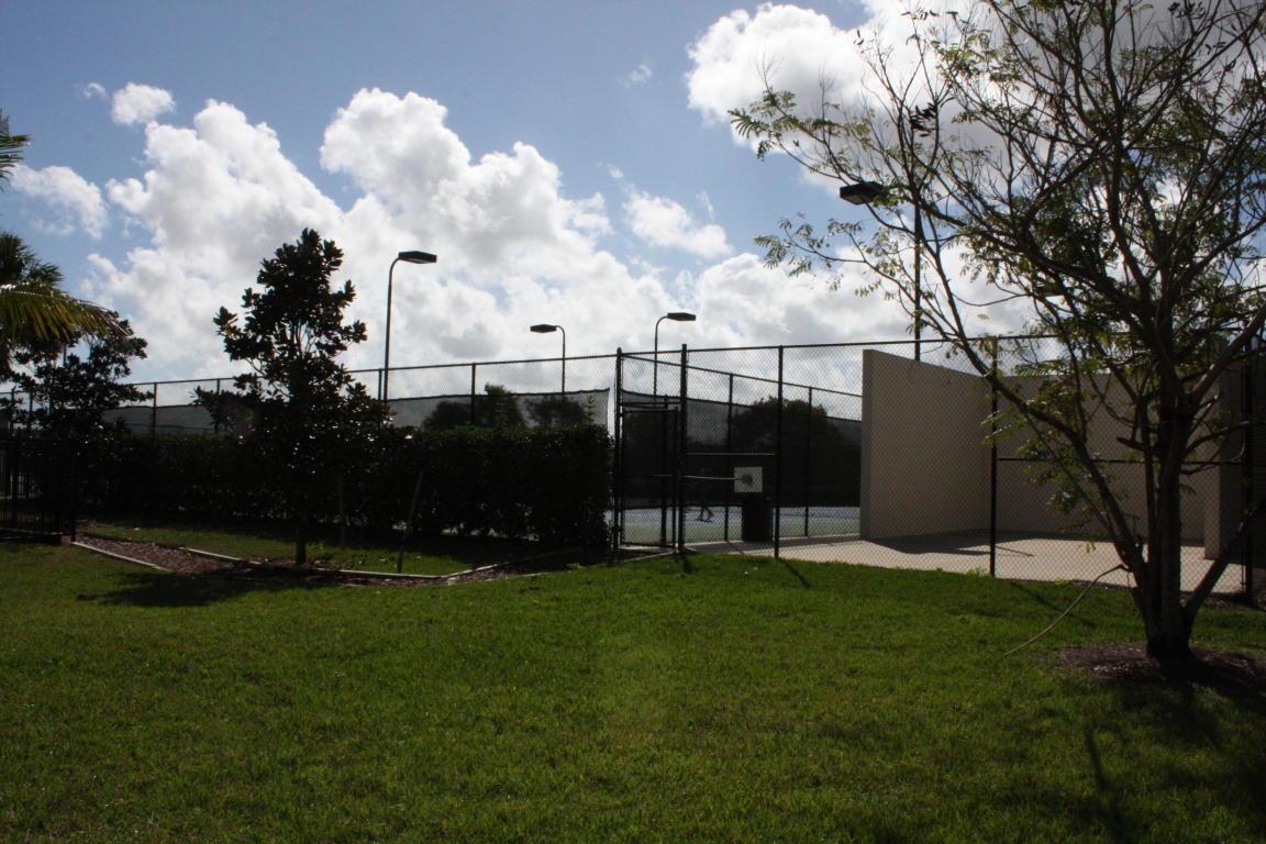 2043 Sw Newport Isles Boulevard, Port Saint Lucie, FL 34953