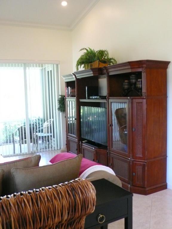 8117 Mulligan Circle, Port Saint Lucie, FL 34986