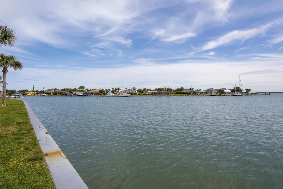 1203 Bayshore Drive, Fort Pierce, FL 34949