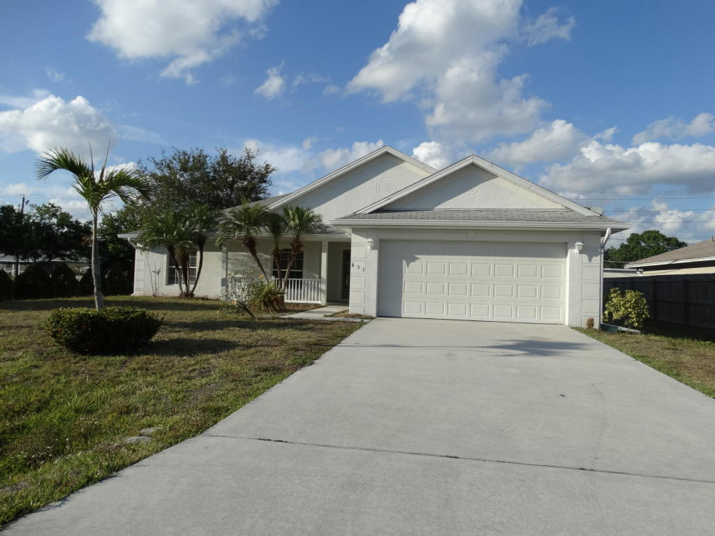 651 Se Penn Avenue, Port Saint Lucie, FL 34984