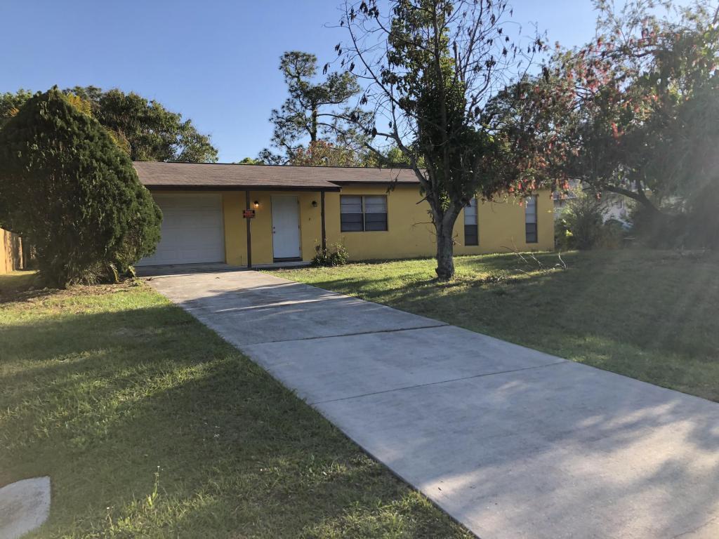 7401 Paso Robles Boulevard, Fort Pierce, FL 34951