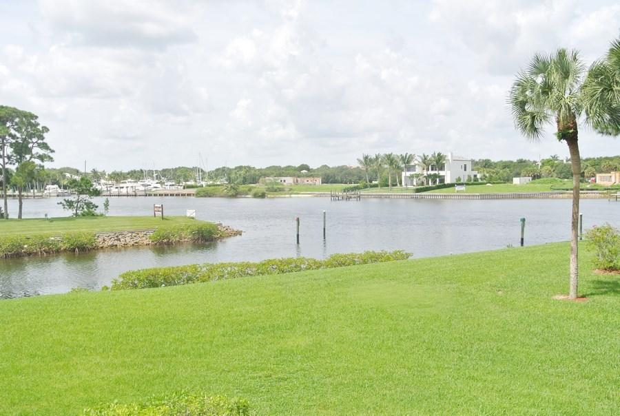 2201 Marina Isle Way, Jupiter, FL 33477
