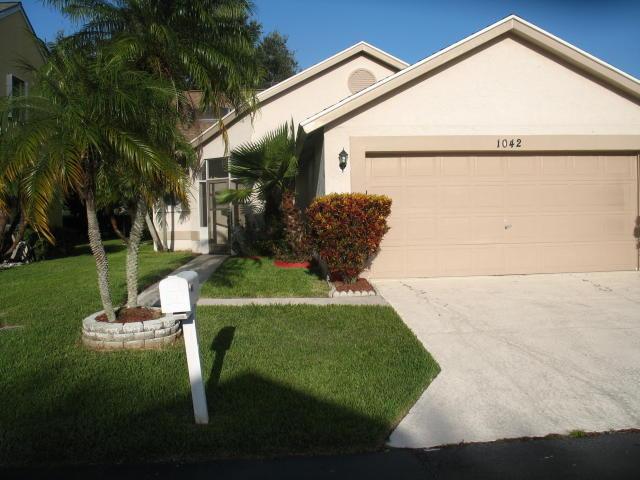 1042 Fairfax Circle W, Boynton Beach, FL 33436