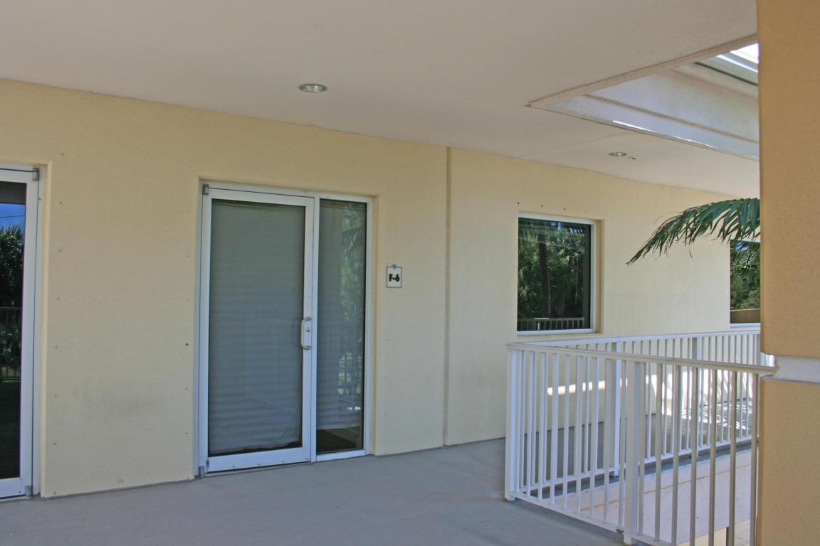 2771 Vista Parkway, West Palm Beach, FL 33411