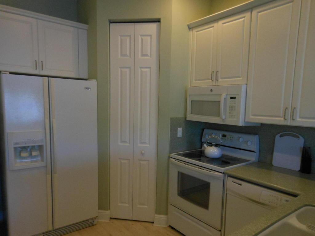 204 Shelley Lane, Fort Pierce, FL 34949