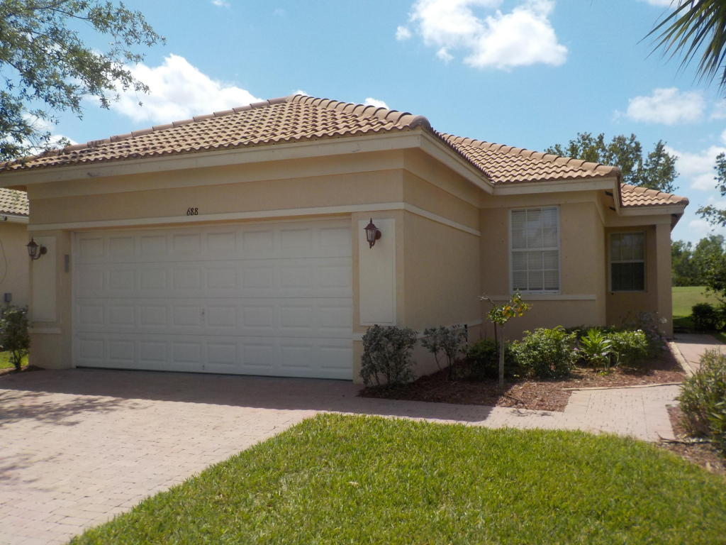 688 Nw Stanford Lane, Port Saint Lucie, FL 34983