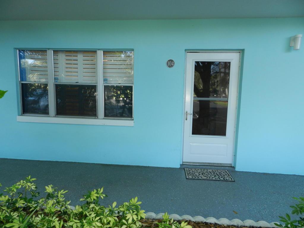 1200 Colonnades Drive, Fort Pierce, FL 34949