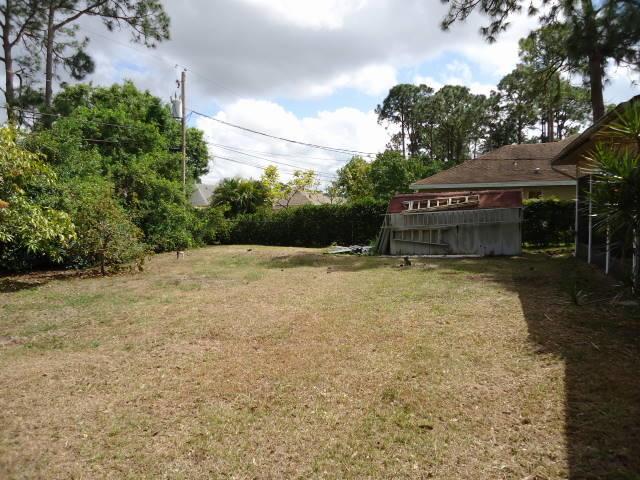 1649 Sw Day Street, Port Saint Lucie, FL 34953
