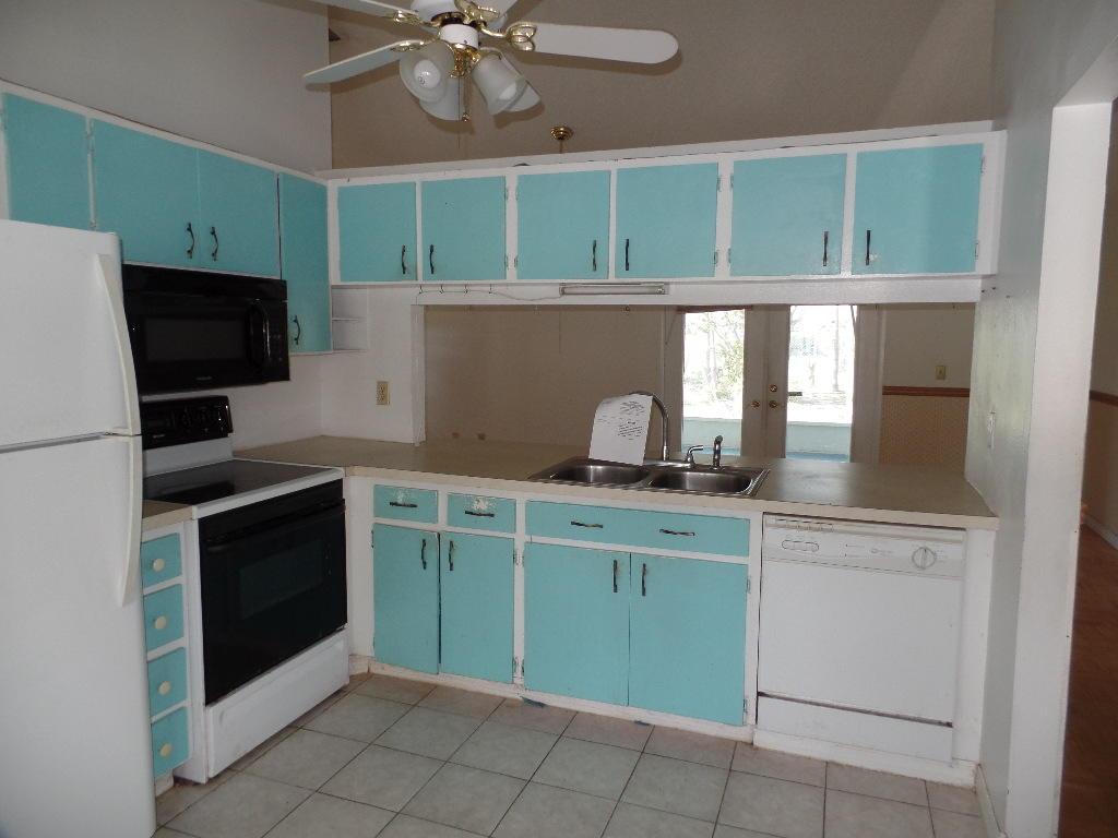 1570 Se South Balcourt Court, Port Saint Lucie, FL 34952