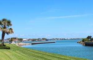 6 E Harbour Isle Drive E, Fort Pierce, FL 34949